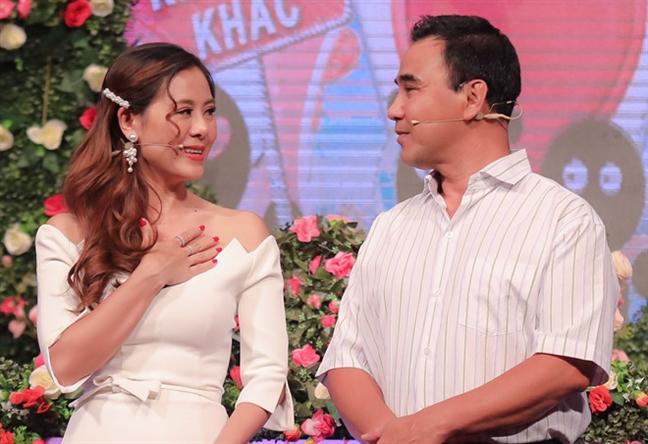 Quyen Linh bat khoc khi Nam Thu roi chuong trinh 'Ban muon hen ho'