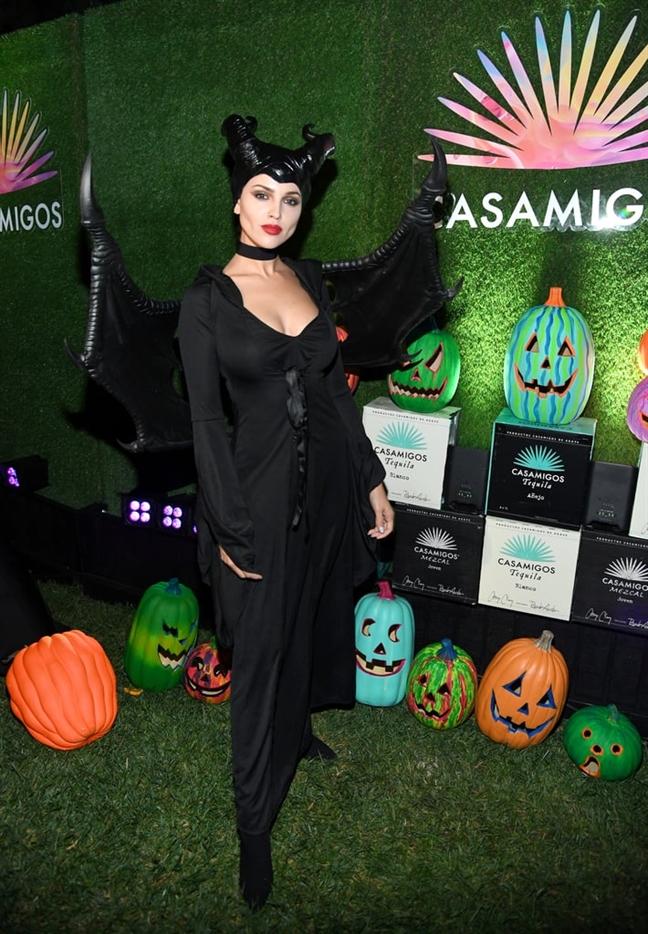 Sao Hollywood chon nhan vat nao de hoa trang dip Halloween?