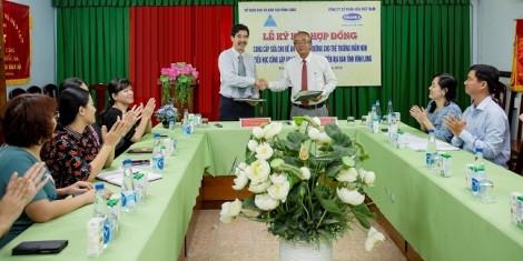 Vinamilk chính thức được chọn là nhà cung cấp sữa học đường tại tỉnh Vĩnh Long
