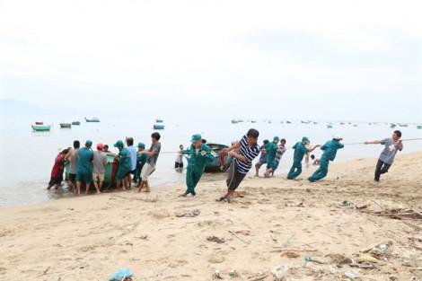 Ninh Thuận di chuyển tàu thuyền, chằng chống nhà cửa đón bão số 5