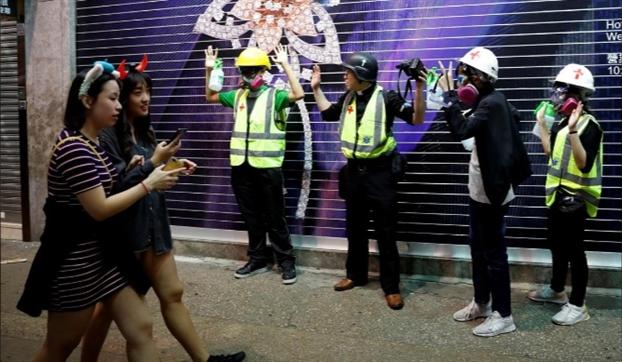 Bac Kinh quyet khong nhuong bo truoc cac dien bien o Hong Kong