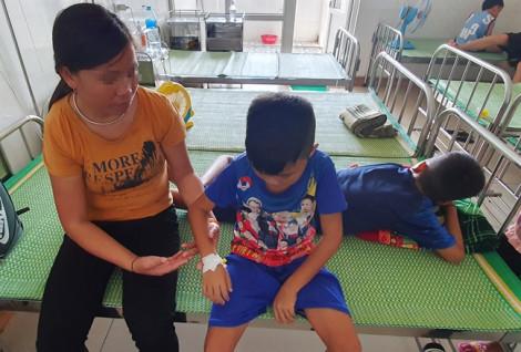 Những đứa trẻ nằm viện suốt đời từ hệ lụy hôn nhân cận huyết