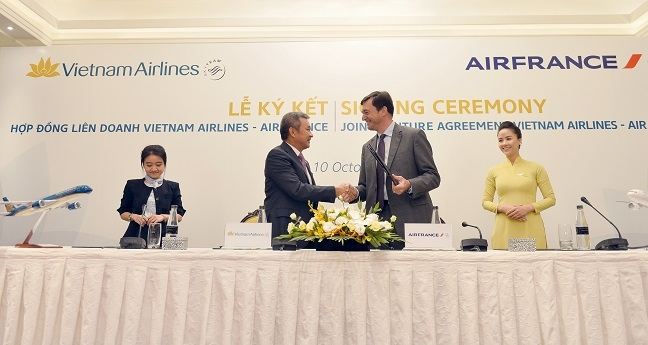 Lien doanh Vietnam Airlines va Air France dat hon nua trieu luot hanh khach