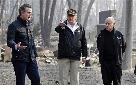 Tong thong Trump che thong doc California 'quan ly rung kem' de chay rung