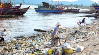 Giải pháp bảo vệ môi trường: Xin đừng hô hào nữa!