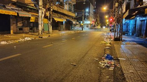 Đường phố bị 'bức tử', người dân Sài Gòn ngán ngẩm, ngộp thở vì... rác!