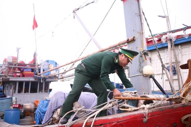 Thua Thien Hue cam bien phong tranh bao so 6