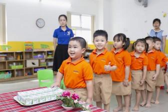 Hành trình 13 năm của chương trình Sữa học đường và những trái ngọt