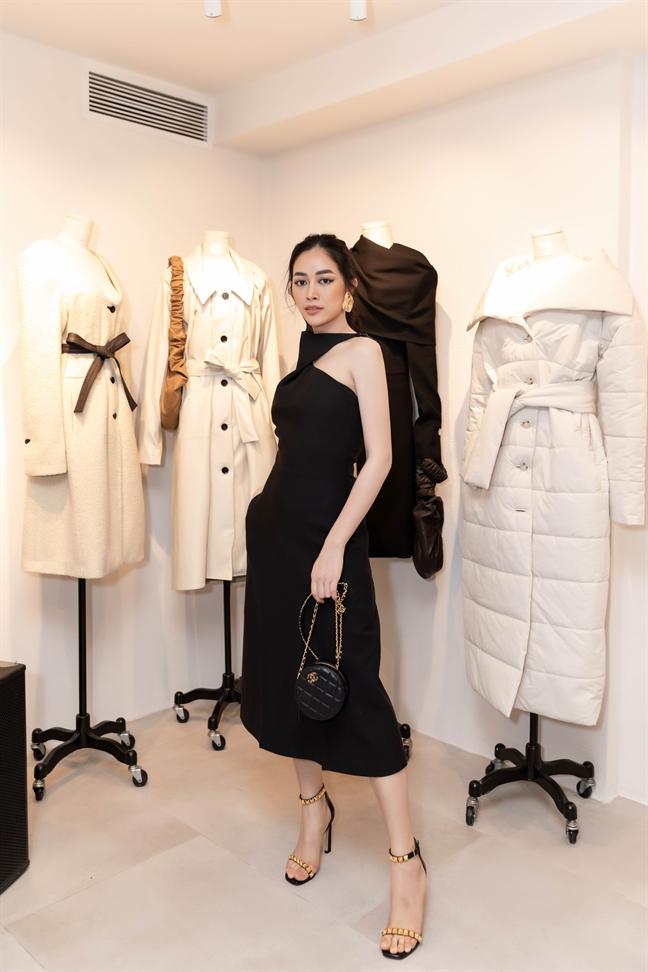 Mai Thanh Ha dien do doi do sac cung Jolie Nguyen