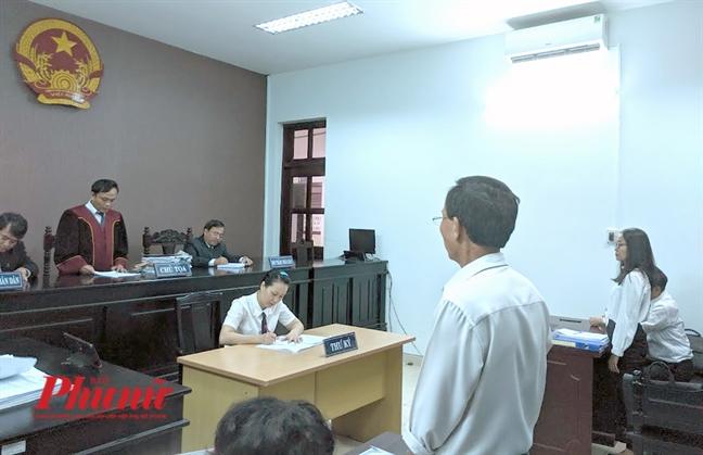 Thang Benh vien FV, gia dinh tuyen bo kien de 'nhac' benh vien kinh doanh phai co luong tam