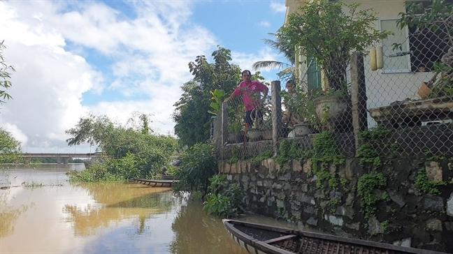 Hang tram ho dan o Phu Yen bi lu co lap sau bao