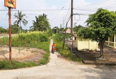 Cắm mốc giới đường vào đình Thạnh Phú chưa đúng quy định