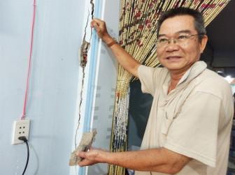 Hàng chục hộ dân quận 7  nơm nớp sống trong  nhà chờ sập