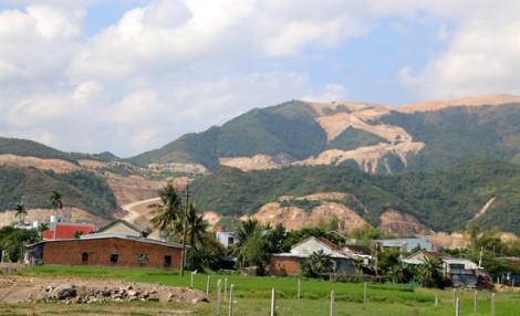 Sau 7 năm cạo gần trọc núi Chín Khúc, chủ đầu tư xin trả lại 370 ha