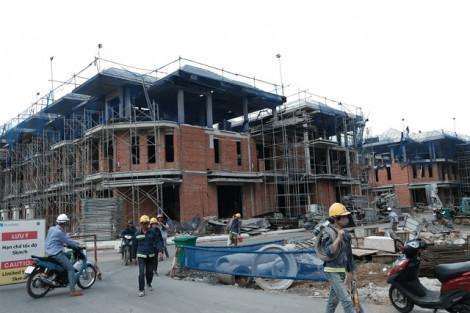 Kiến nghị  chưa đập bỏ 110 căn biệt thự xây trái phép ở Q.7