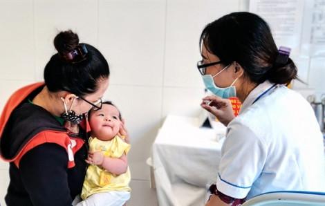1 trẻ em tử vong sau tiêm vắc xin dịch vụ Hexaxim