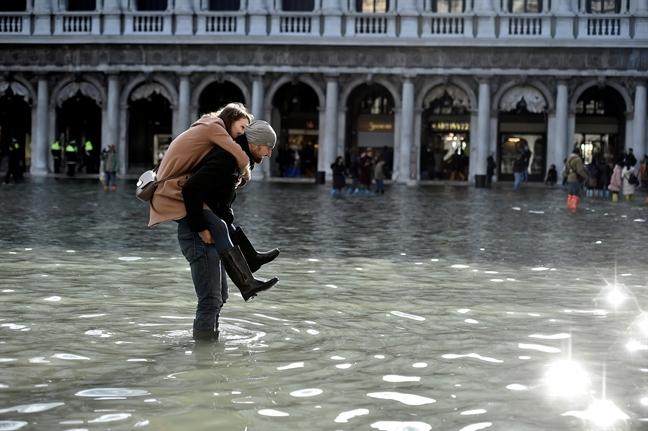 Chay rung o Uc, Venice ngap lut