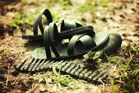 Chuyện người hồi sinh những đôi dép lốp huyền thoại