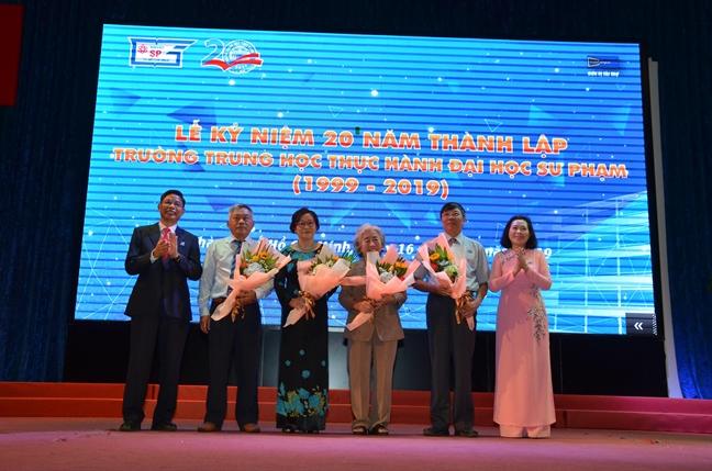 Truong Trung hoc Thuc hanh DHSP TP.HCM ky niem 20 nam thanh lap