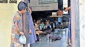 Từ bức hình gây xôn xao Ấn Độ, một bé gái được đến trường