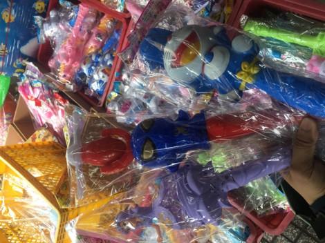 Tràn ngập đồ chơi của Thái Lan, Trung Quốc chứa chất độc hại