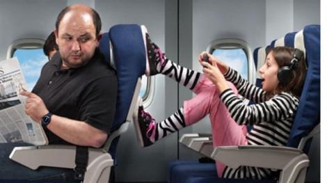 Phải làm sao khi bạn ngồi cạnh một hành khách 'khó chịu' trên máy bay