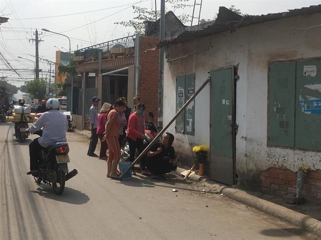 Phat hien nguoi phu nu di nhat ve chai chet bat thuong trong phong tro khoa trai