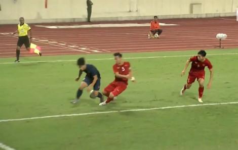 HLV Park Hang-seo tiết lộ lý do nổi nóng với ban huấn luyện Thái Lan