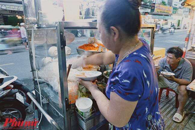 An phu phe dia banh beo Hue gia 35 ngan dong
