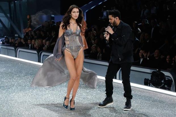 Nhung khoanh khac an tuong nhat trong lich su 'Victoria Secret Fashion Show'