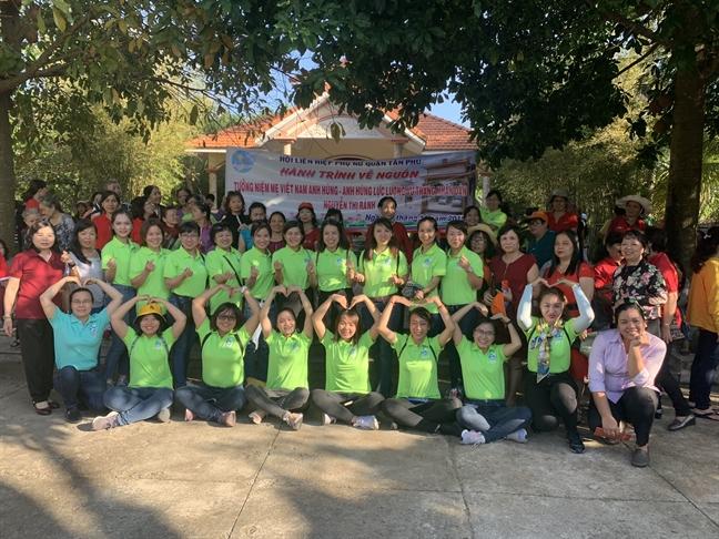 Hon 400 phu nu quan Tan Phu ve thap huong Ma Nguyen Thi Ranh