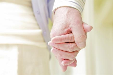 Sao vợ chồng mình còn trẻ trung mà đã chán nhau dễ dàng vậy