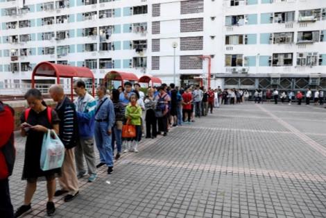 Hồng Kông bắt đầu bầu cử trong ôn hòa, cảnh sát quyết giữ vững an ninh