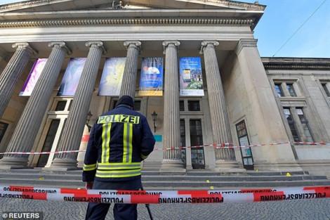 Trộm 'khoắng' số bảo vật trị giá khoảng 1 tỷ euro