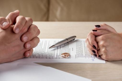 Khi ly hôn, có được yêu cầu chia tài sản đang thế chấp?
