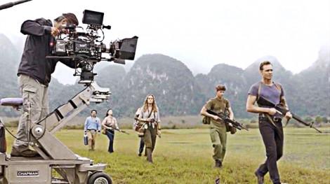 Ngân hàng bối cảnh: 'Một công đôi việc' cho điện ảnh Việt