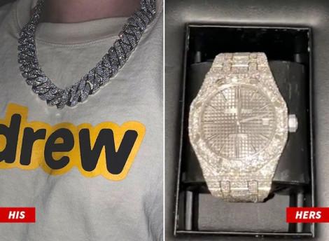 Hailey Bieber tặng chồng vòng cổ kim cương 90.000 USD