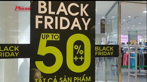 Thời trang ồ ạt giảm giá 'ăn theo' Black Friday