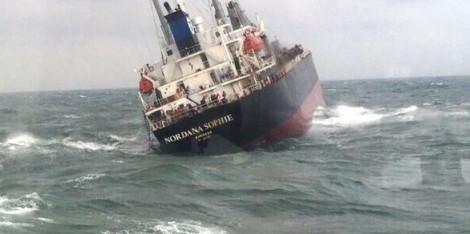 Cứu thành công 18 thuyền viên trên tàu Thái Lan gặp nạn