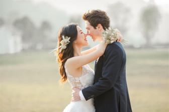 'Lịm tim' với bộ ảnh cưới đẹp như mơ của Á hậu Hoàng Oanh