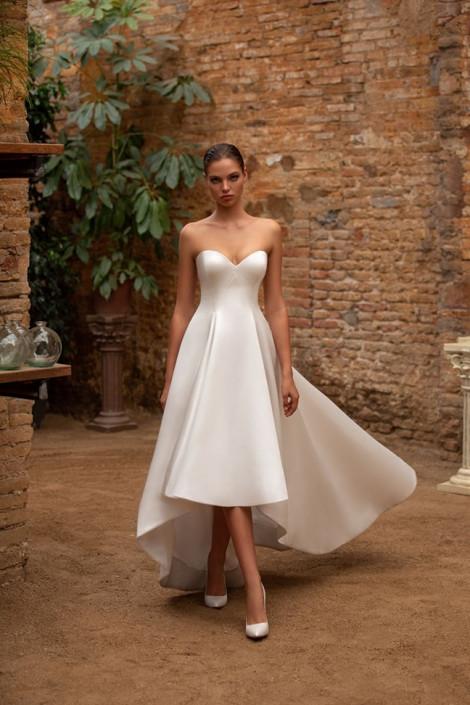 15 mẫu váy cưới trắng đơn giản nhưng vô cùng quyến rũ cho nàng trong ngày trọng đại