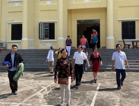 Tòa bác đơn kiện đòi học bổng  cựu sinh viên Trường đại học Tân Tạo