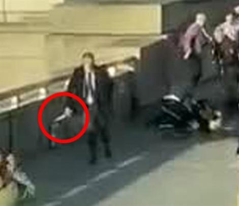 Tấn công bằng dao trên cầu London làm 1 người chết, 5 người bị thương