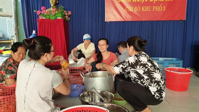 Bep com yeu thuong den tu tam long thien nguyen