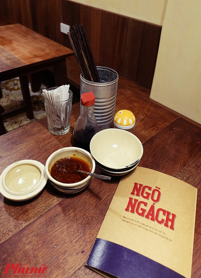 Thuong thuc bun oc Ha Noi trong 'Ngo ngach' Sai Gon
