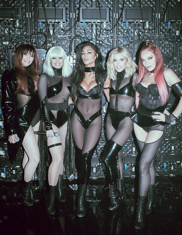 Ve ngoai boc lua cua Pussycat Dolls trong làn tái họp sau 10 nam