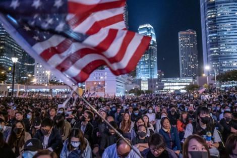 Trung Quốc tung đòn trả đũa luật về Hồng Kông của Mỹ