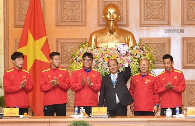 Thu tuong gui thu dong vien HLV Park Hang-seo va Doan The thao Viet Nam