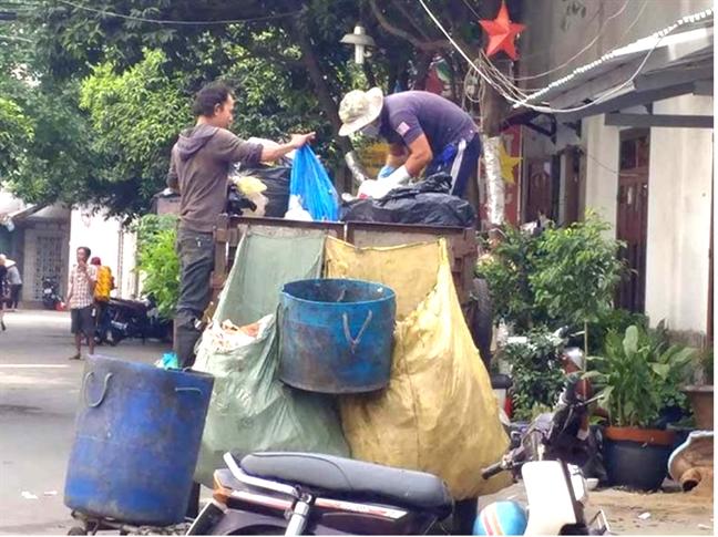 Chuyen doi phuong tien thu gom rac, duoc vay von nhung... gap kho