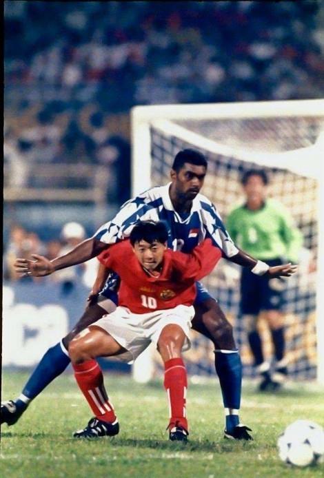 21 năm, cái lưng của Sasi Kumar và cái đầu của Hà Đức Chinh!